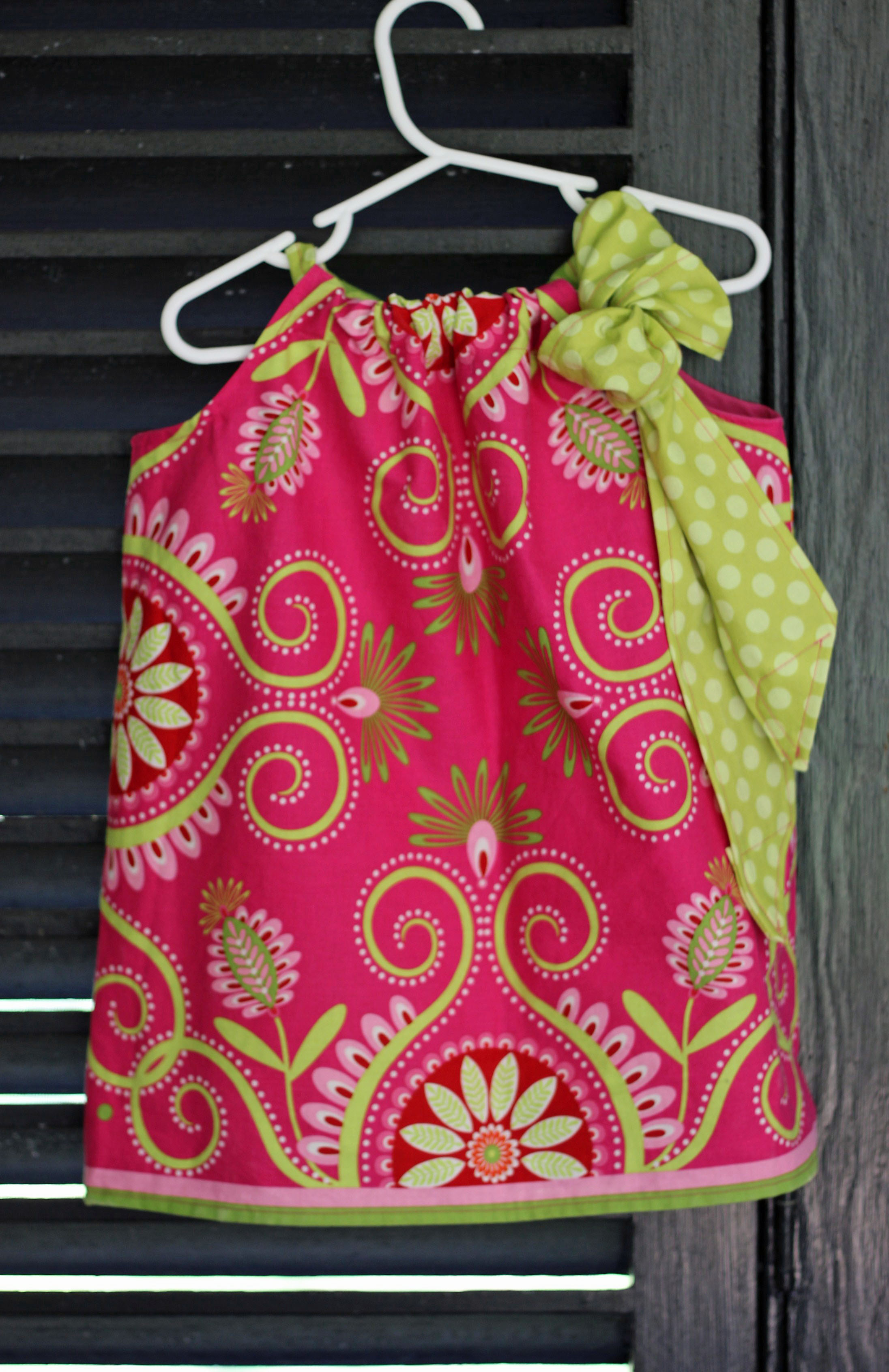 Pink & Green Dresses: Conjuring Lilly